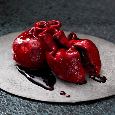 Lilly Vanilli's bleeding heart cake