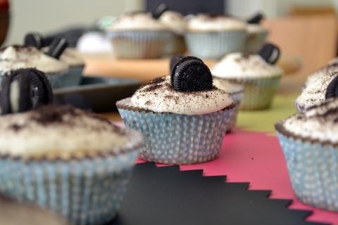 oreo cupcakes panoramic